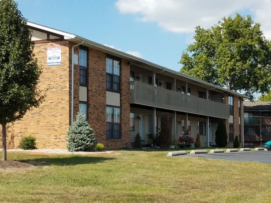 apartments belleville il slide 1021 brookshire ct